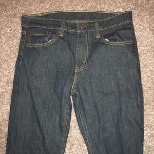 men's dark blue levi jeans